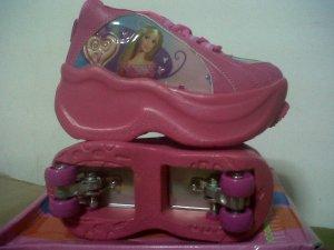 Sepatu + Sepatu 4 roda Princess Pink no 28-36 rp.250.000