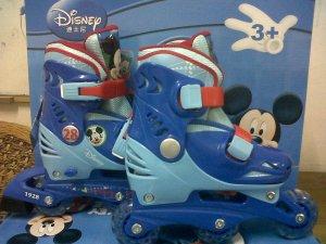 Merk Disney ,Bisa di set model Bajaj & lurus,     M=29-32 , L 33-36 , Gambar MICKEY warna BIRU , HARGA 370.000