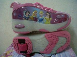Princess Pink 1 roda ada lampu NO 28-36 Harga 225.000